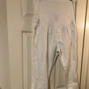 NWOT white maternity ankle pants size L